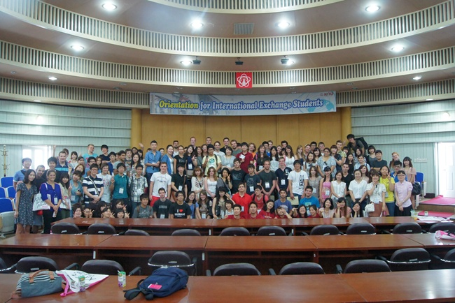 Orientation for Fall 2011 Exchange students 관련 이미지입니다.
