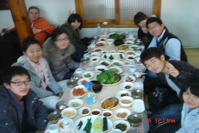 Tour to Gyeongju with Fall 2011 exchange students 관련 이미지입니다.